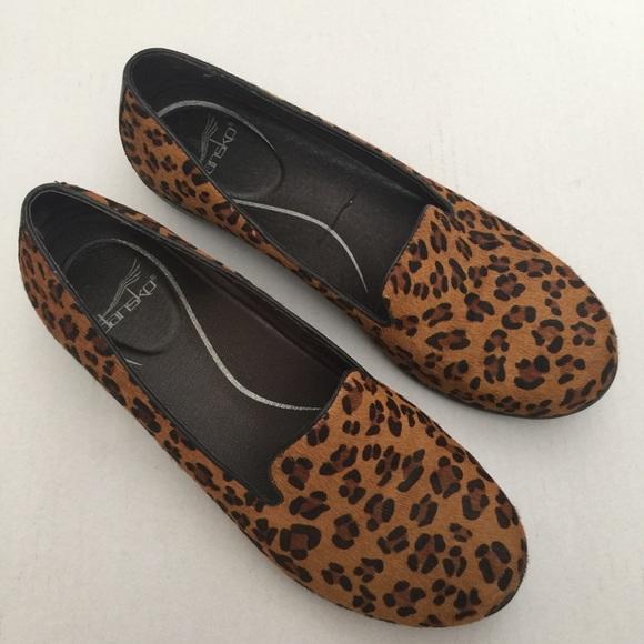 ab05bff4e37 Dansko Shoes - Dansko Womens Animal Print Slip On Loafers Size 39
